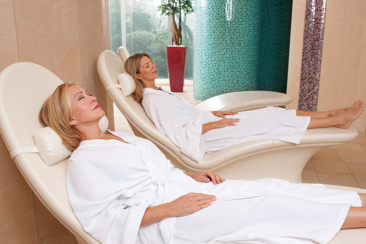 C:\Users\user\Downloads\motherdaughter-packages-spa-session.jpg